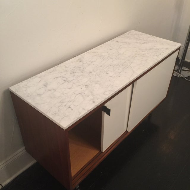 Florence Knoll Bianco Marble Top Credenza - Image 10 of 11