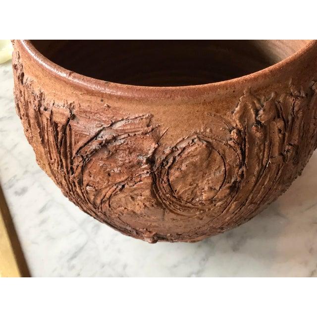 Contemporary Tom McMillin Studio Ceramics Pottery Vessel Bowl For Sale - Image 3 of 6