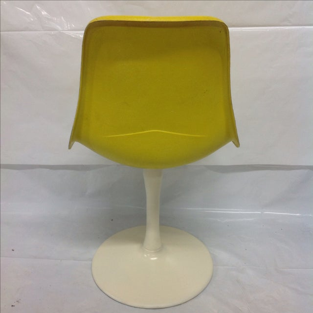 Saarinen-Style Fiberglass Tulip Chair For Sale - Image 4 of 4