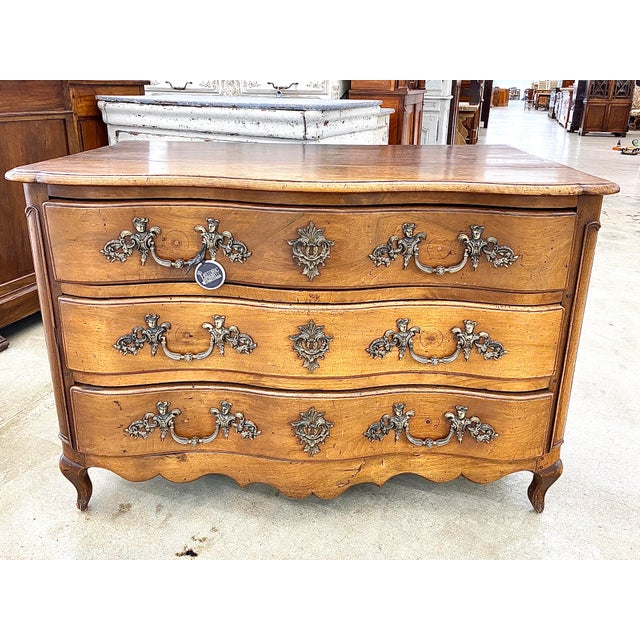 18th Century French Louis XV Commode Arbalete, 1750 For Sale - Image 10 of 10