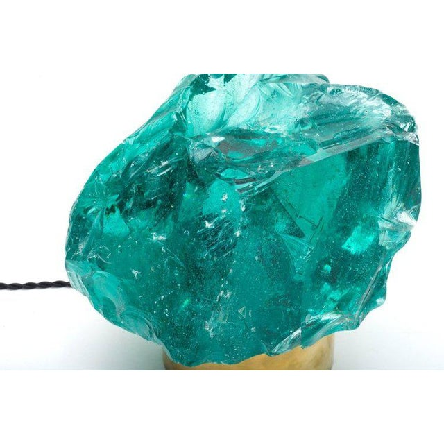 Chiseled Green Crystal Table Lamp in the Manner of Max Ingrand for Saint Gobain For Sale - Image 5 of 6