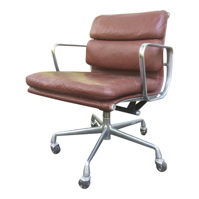 Eames Herman Miller Soft Pad Leather Office Chair For Sale