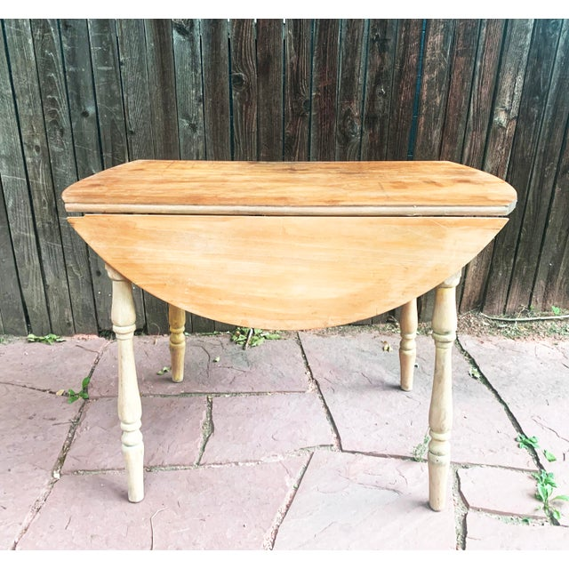 Early American Light Yellow Stained Pine Drop Leaf Dining Table For Sale - Image 13 of 13
