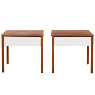 Richard Schultz Pair of Knoll End Tables or Nightstands For Sale