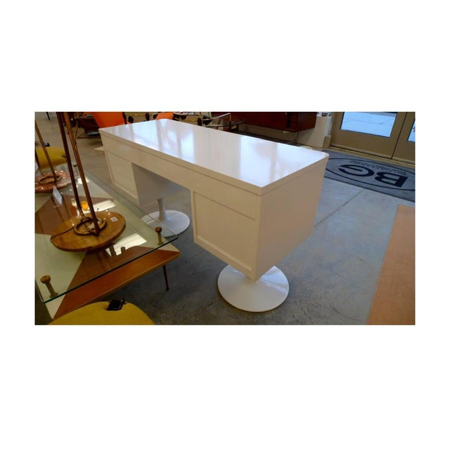 Retro Broyhill Premier Raymond Loewy Style Atomic Desk For Sale In New York - Image 6 of 7
