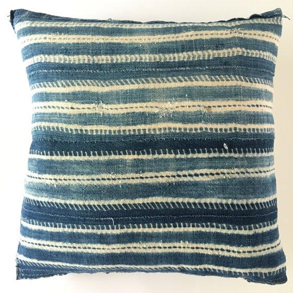Offered is a beautiful vintage African mudcloth pillow cover in indigo blue. The back side is a beautiful natural fabric....