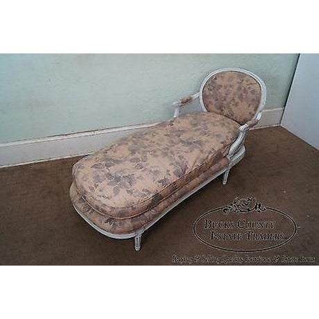 Quality French Louis XVI Style Painted Chaise Lounge For Sale - Image 10 of 13