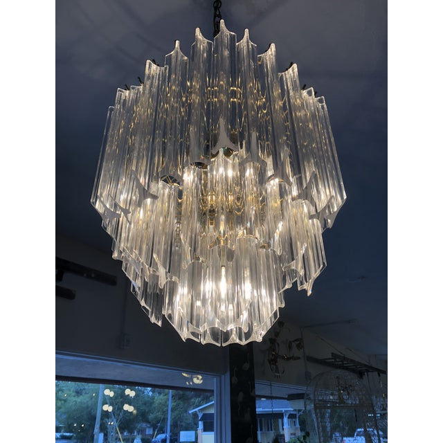 e60036d6803e Lucite 1960s Vintage Hollywood Regency Style Lucite Chandelier For Sale -  Image 7 of 13