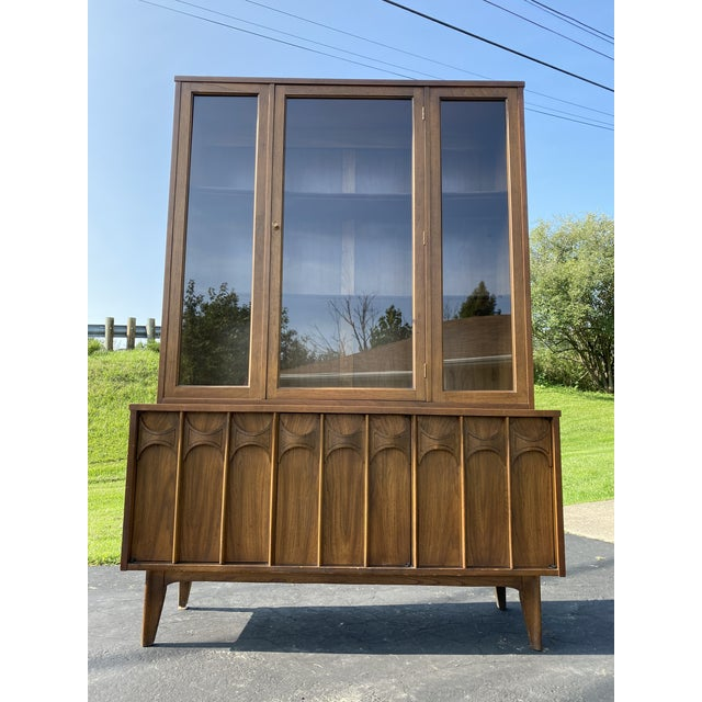 Brown 1960s Mid Century Blowing Rock Industries Kent Coffey Style Pecan Walnut Display China Hutch For Sale - Image 8 of 9