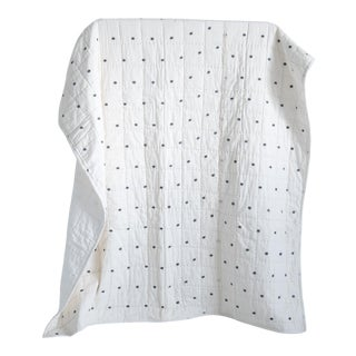 "Dot Quilt In Handloom Jamdani Weave In Ivory & Dove Gray - 58"" x 72"" For Sale"