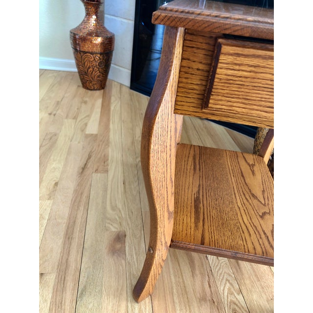 Brown 1990s Amish Crafted Transitional Chairside Table For Sale - Image 8 of 13