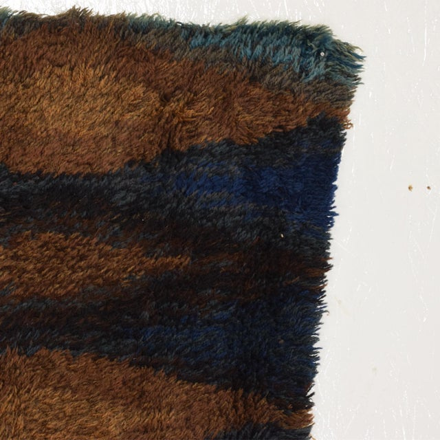 Textile Mid Century Danish Modern Rya Rug With Beautiful Blue Tone Graphics For Sale - Image 7 of 8