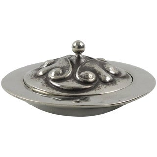 1910s Alice & Eugene Chanal French Art Nouveau Dinanderie Polished Pewter Box For Sale