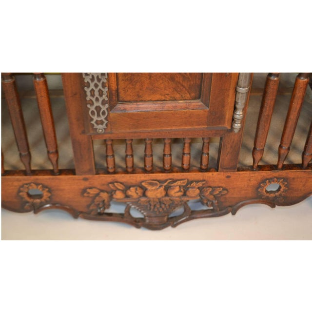 18th Century Walnut Panetiere From Provence For Sale - Image 4 of 6