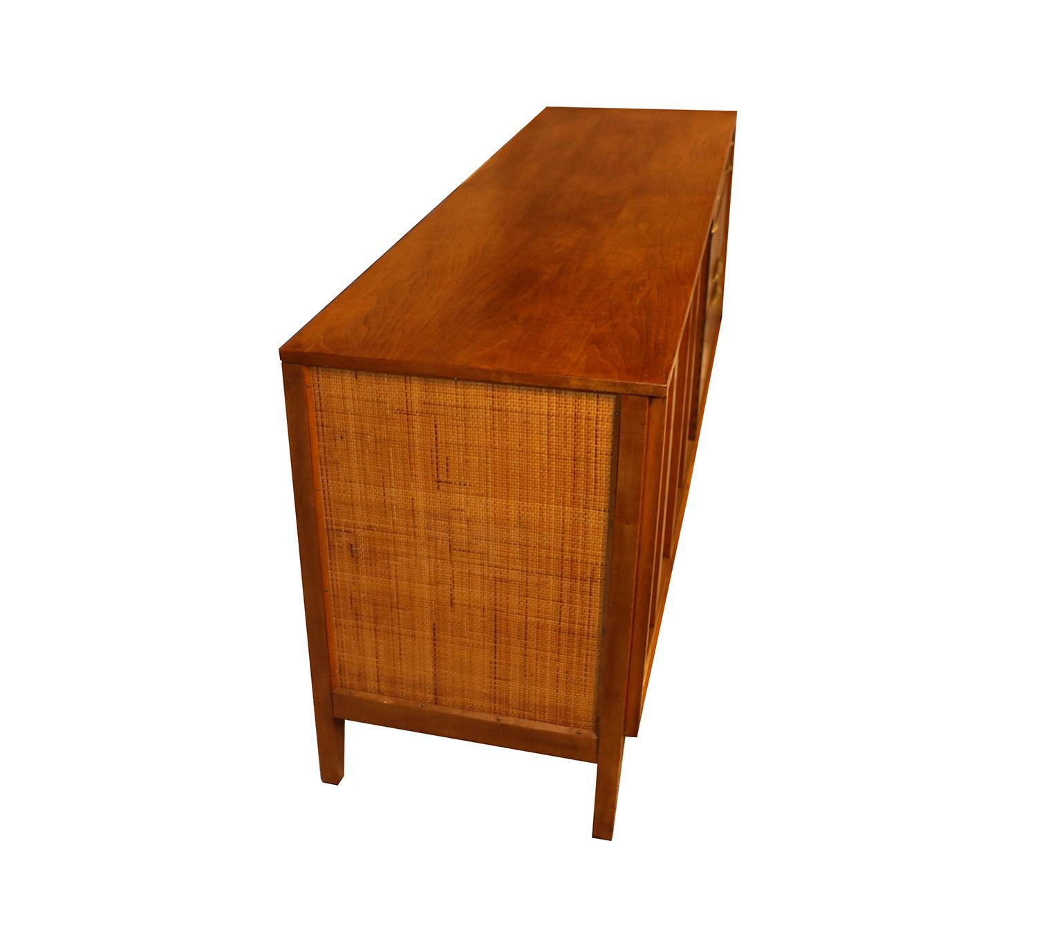 Mid Century Modern Triple Dresser West Michigan Furniture Company   Image 7  Of 9
