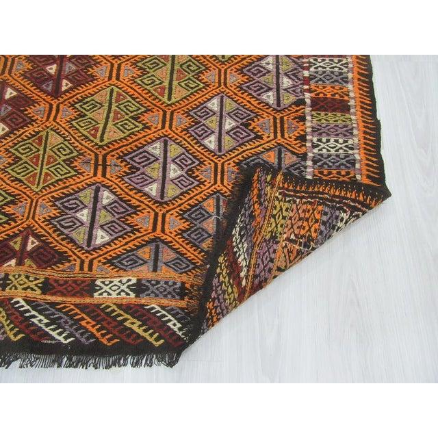"Vintage Embroidered Turkish Kilim Rug - 5'6"" x 7'1"" For Sale - Image 5 of 6"