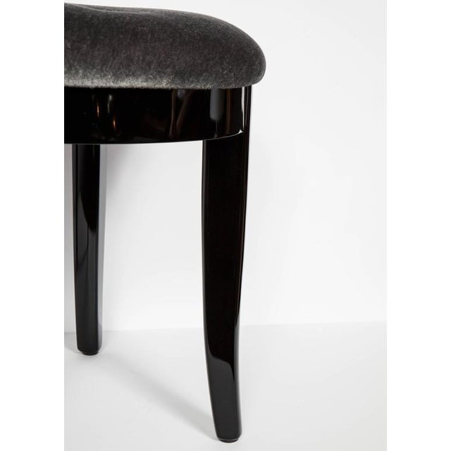 Elegant Art Deco Stool in Black Lacquer and Grey Mohair For Sale In New York - Image 6 of 6