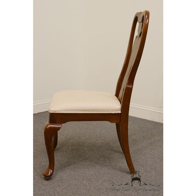 Universal Furniture Universal Furniture Cherry Splat Back Queen Anne Style Dining Side Chair For Sale - Image 4 of 8