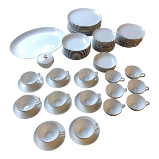 1970s Japanese Minimalist Fukagawa White Serving Set - 72 Pieces For Sale