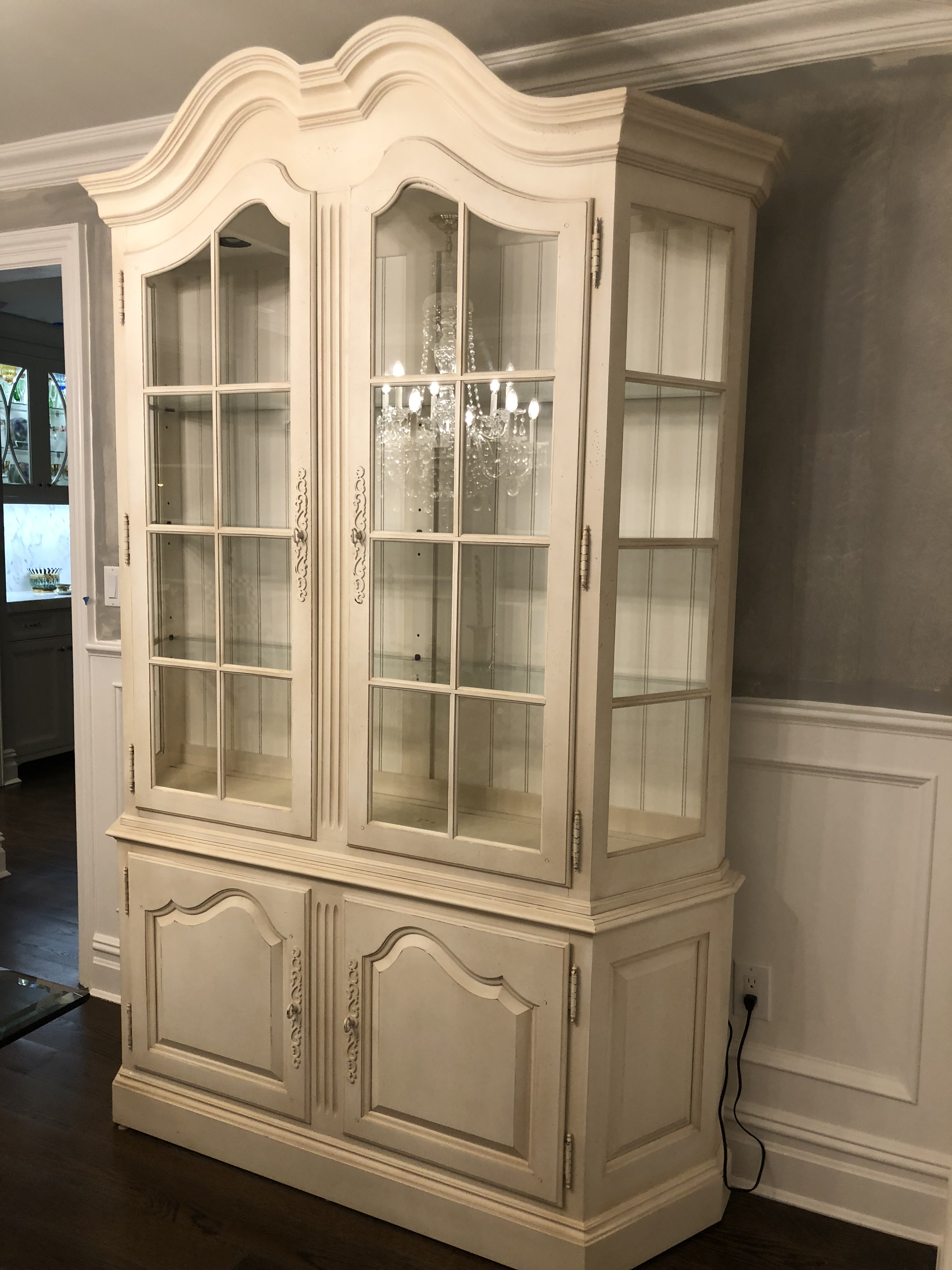 Great Ethan Allen China Cabinet   Image 5 Of 7