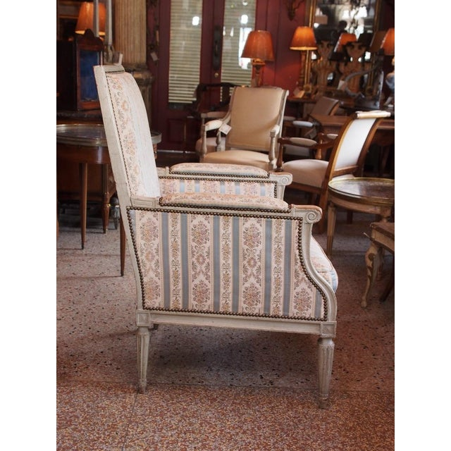 Mid 19th Century Louis XVI French Painted Bergere For Sale - Image 5 of 8