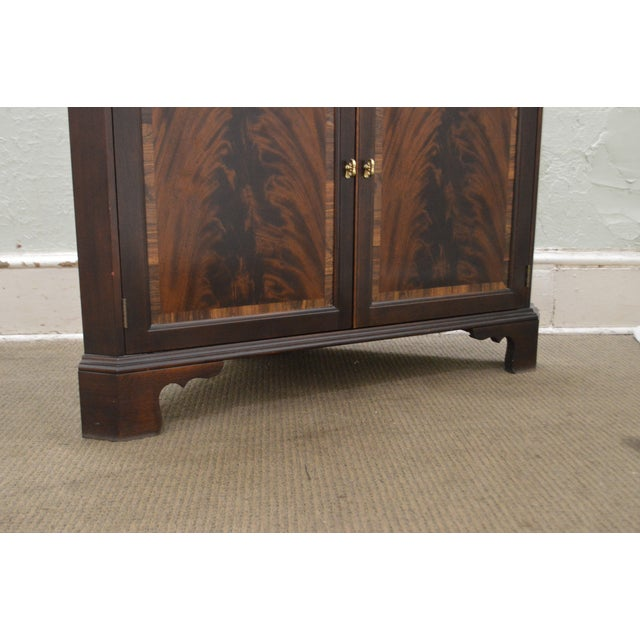 Stickley Flame Mahogany Chippendale Style Corner Cabinet For Sale - Image 10 of 13