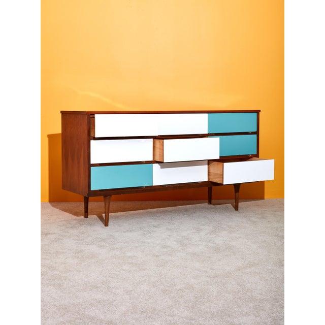 Mid-Century Modern 9 Drawer Dresser For Sale - Image 3 of 5