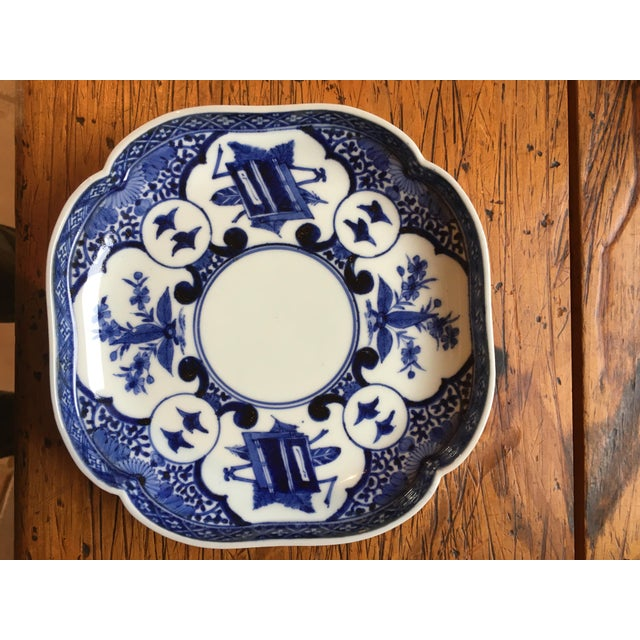 Edo Period Blue & White Japanese Dishes With Chenghua Marks - Set of 3 For Sale - Image 4 of 8