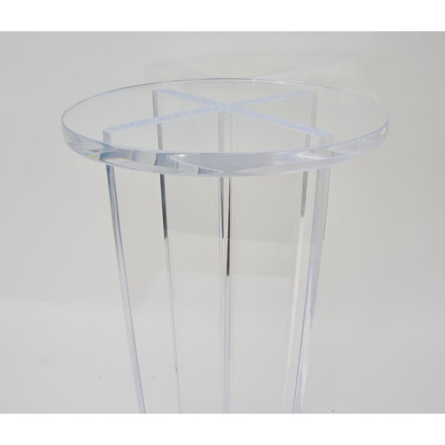 Contemporary Bespoke Round Lucite Drinks Table For Sale - Image 3 of 6