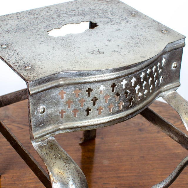 English Traditional 19th Century Antique Steel Footman For Sale - Image 3 of 6