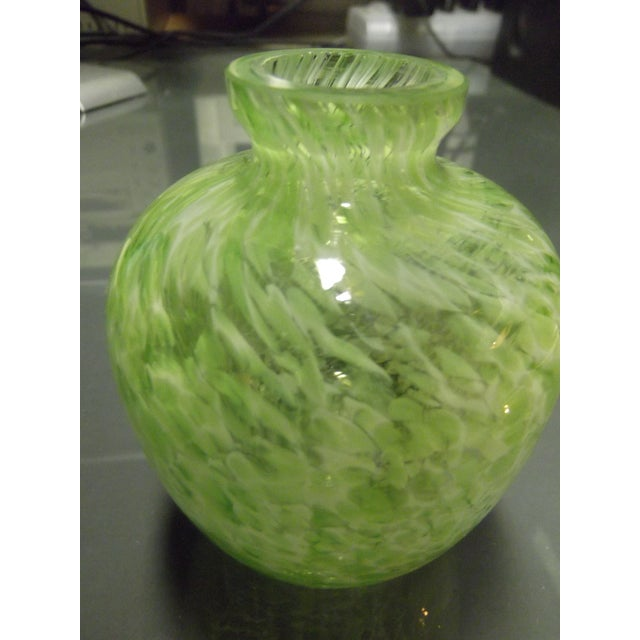 Green & White Swirl Blown Glass Vase - Image 3 of 7