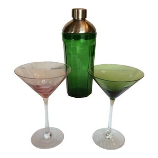 Green Glass Martini Shaker by Tanqueray With 2 Etched Bubble Martini Glasses- Group of 3 For Sale