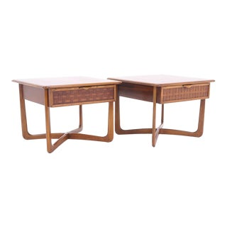 Pair of Lane nightstands. Sometimes attributed to Paul McCobb For Sale