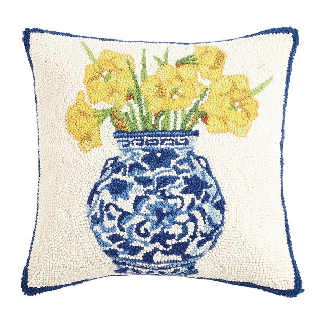 """Contemporary Chinoiserie Vase Daffodils Hook Pillow, 16"""" x 16"""" For Sale - Image 3 of 3"""