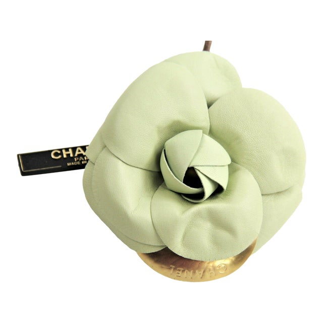 Vintage Chanel Pale Green Lambskin Camellia Flower Brooch Nwt For Sale
