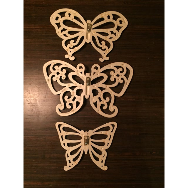 1970s 1970s Boho Chic White Homco Butterfly Wall Decor - 3 Pieces For Sale - Image 5 of 7