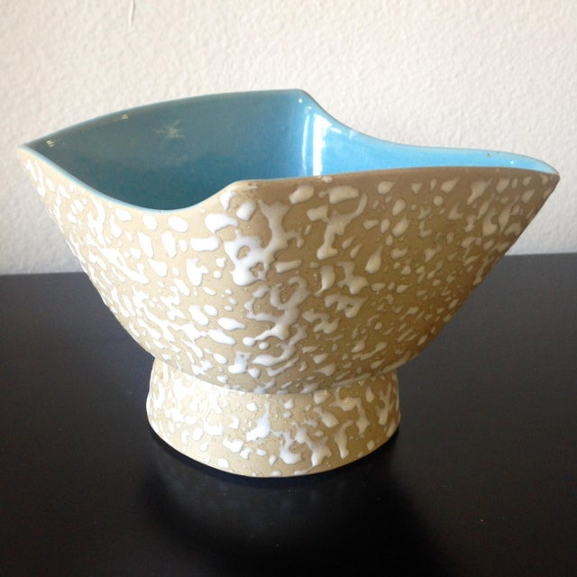 A mid-century stunning speckle bowl. Beautiful finish and design. Very good construction - no breaks or chips.