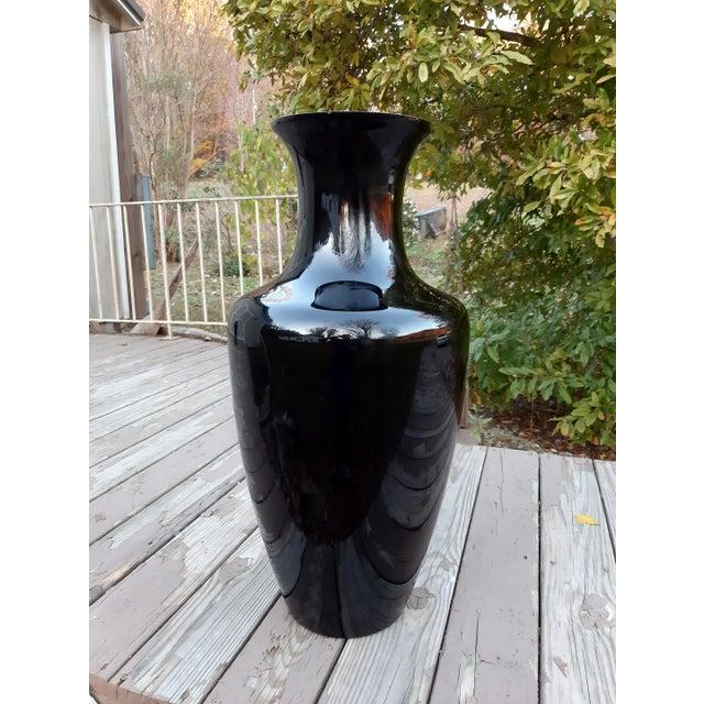 Vintage West Virginia Masterwork Black Pilgrim Art Glass Vase For Sale - Image 11 of 13