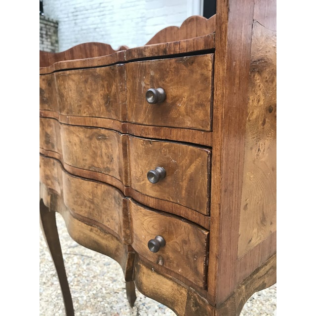 Italian Louis XV Style Three Drawer Burl Wood Nightstand / Cabinet For Sale - Image 9 of 13