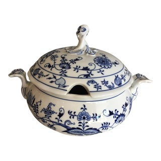 1920s Chinoiserie Bohemia D Zwiebelmuster Covered Tureen For Sale