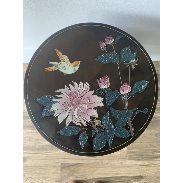 Chinoiserie Coromandel Lacquered Side Table With Birds and Flowers For Sale - Image 4 of 10