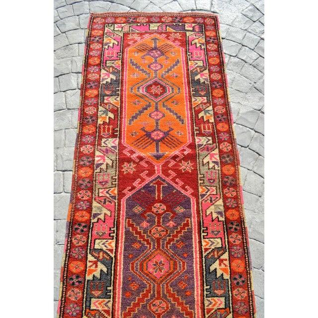Textile Heterodox Kurdish Runner Herki Rug. Hand-Knotted Colorful Tribal Long Runner - 3′1″× 15′6″ For Sale - Image 7 of 12