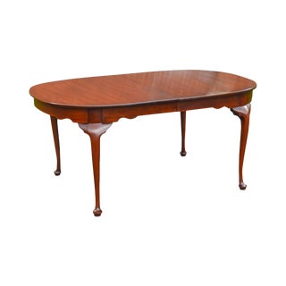 Henkel Harris Solid Mahogany Traditional Queen Anne Style Dining Table