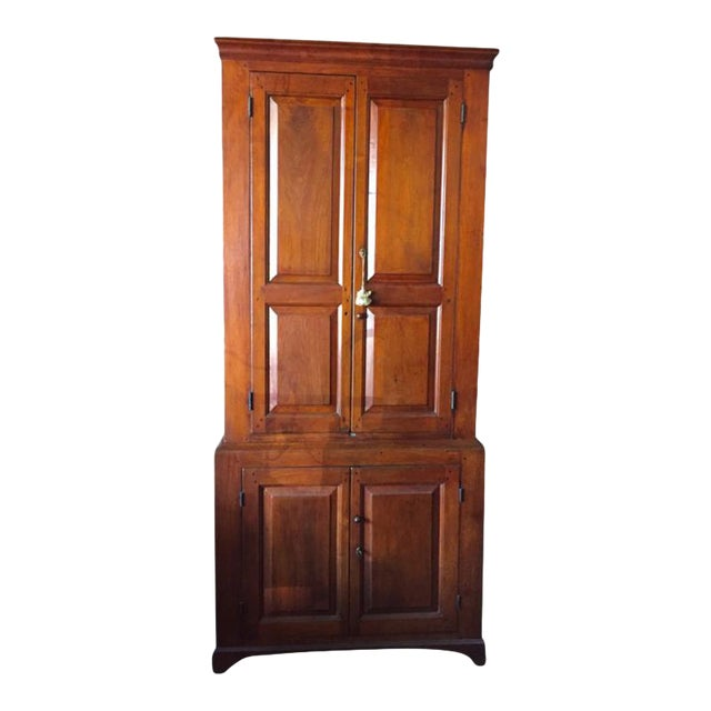 18th Century Federal Walnut Linen Press For Sale