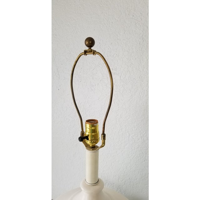 Jacques Grange Style Flat White Glazed Table Lamp. For Sale In Miami - Image 6 of 11