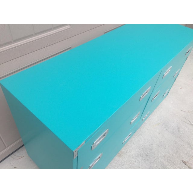 1960s Vintage Dixie Turquoise Painted Campaign Dresser For Sale - Image 5 of 10