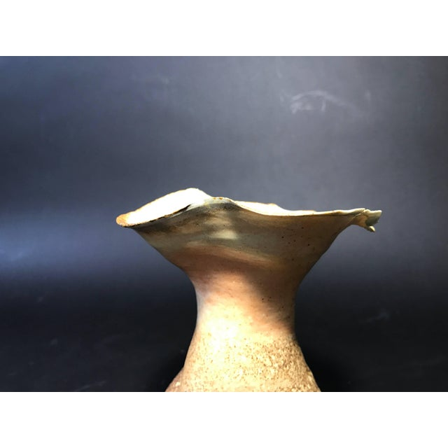 For your consideration is a handmade ceramic vessel by Mary Roehm. In very good condition Dimensions are height 7.75' x...