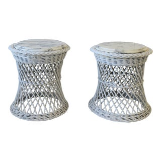 Pair of White Wicker and Italian Marble Round Side or Drink Tables For Sale