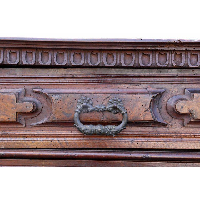 17th Century Impressive Italian Baroque Walnut and Burl Walnut Commode For Sale - Image 5 of 12