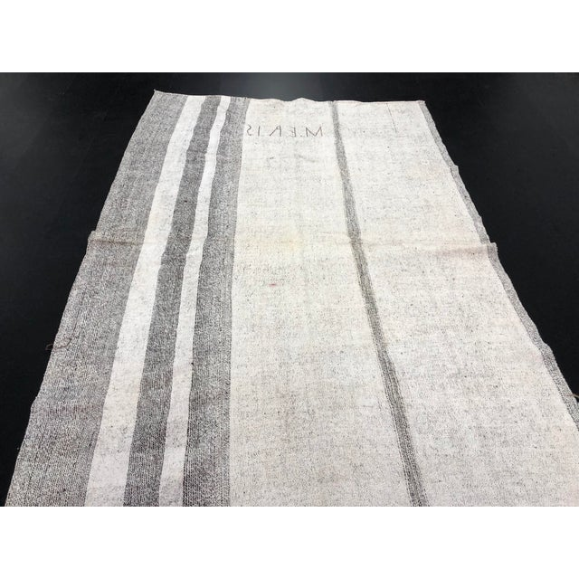Textile 1960s Vintage Natural Wool Turkish Handwoven Anatolian Aztec Floor Rug- 5′4″ × 8′2″ For Sale - Image 7 of 11
